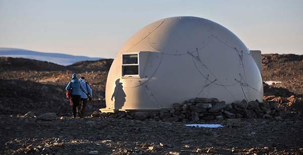 tendance luxe tourisme white desert igloo