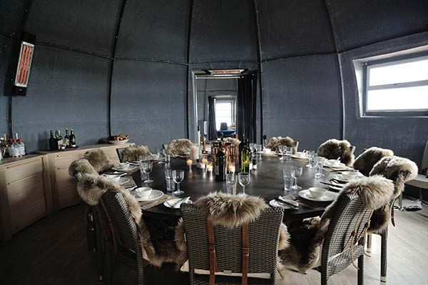 tendance luxe tourisme white desert salle à manger