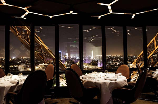 Tendances luxe restaurant avec vue Le Jules Verne