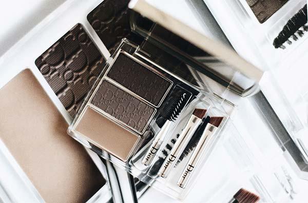 tendances beauté sourcils Dior