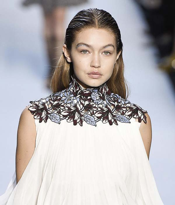 tendances beauté sourcils strassés Gigi Hadid