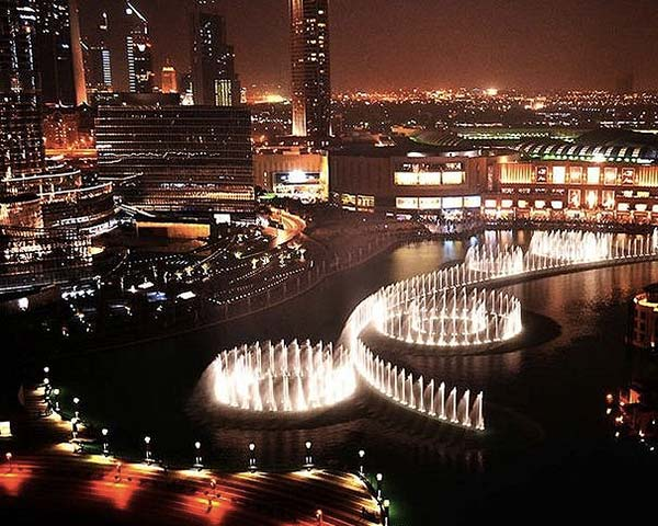tendances-design-water-design-Fontaine-de-Dubai-night-Wet