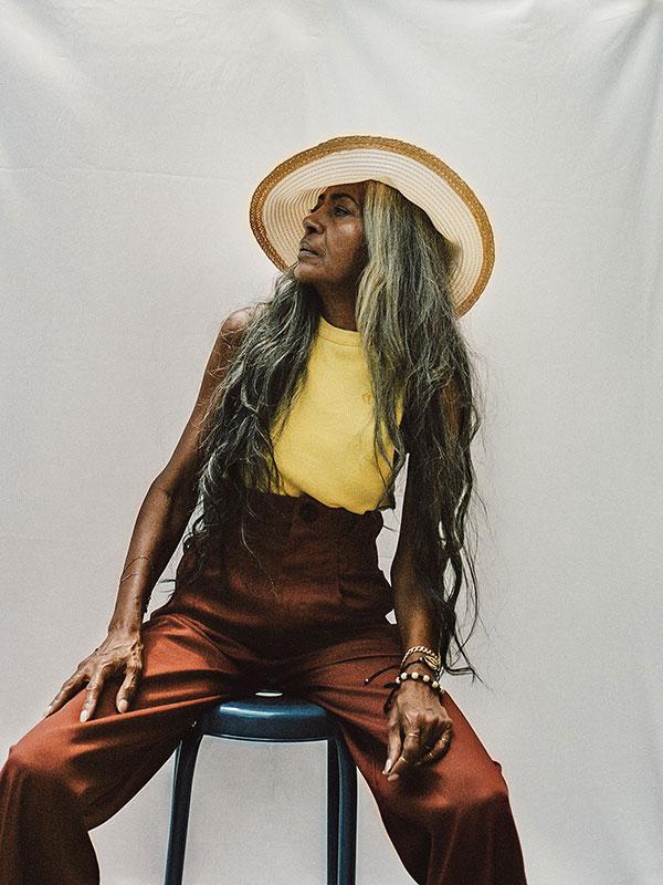 JoAni Johnson, 68 ans, pour Fenty.